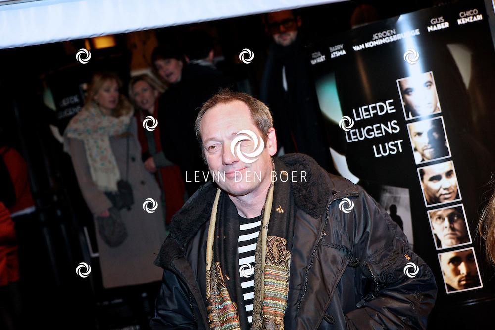 AMSTERDAM - Gijs Scholten van Aschat op de premiere van de film Loft dinsdag in Amsterdam. De film is vanaf 16 december in de Nederlandse bioscopen te zien. FOTO LEVIN DEN BOER - PERSFOTO.NU