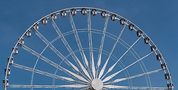 THEMENBILD - Teilansicht des Riesenrad Roue de Paris bei Sonnenschein, aufgenommen am 09. Juni 2016 in Paris, Frankreich // Closeup view of Ferris wheel Roue de Paris at sunshine, Paris, France on 2016/06/09. EXPA Pictures © 2017, PhotoCredit: EXPA/ JFK