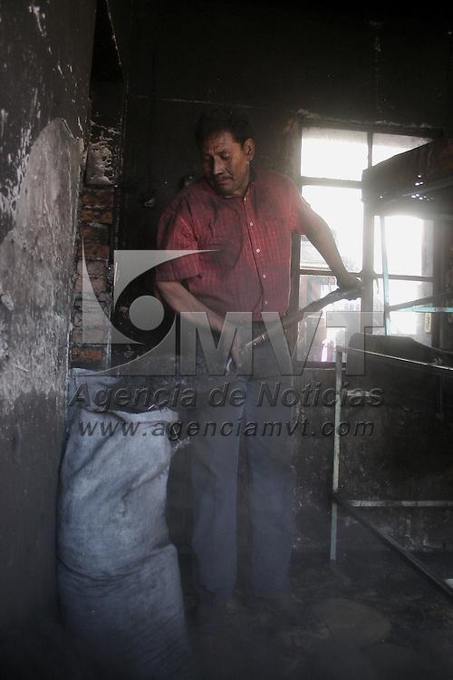 Toluca, M&eacute;x.- Aspecto de la Carboneria Pe&ntilde;aloza que ofrece desde 1982 sus servicios a los habitantes de la Ciudad de Toluca . Agencia MVT /Jorge Sanchez. (DIGITAL)<br /> <br /> NO ARCHIVAR - NO ARCHIVE
