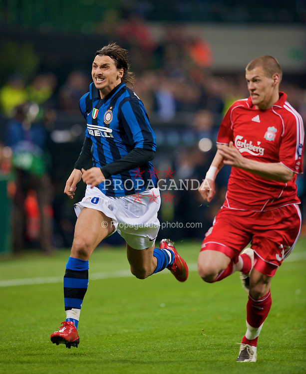 MILAN, ITALY - Tuesday, March 10, 2008: FC Internazionale Milano's Zlatan Ibrahimovic in action against Liverpool's Martin Skrtel during the UEFA Champions League First knockout Round 2nd Leg match at the San Siro. (Pic by David Rawcliffe/Propaganda)
