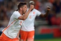 05-06-2015 NED: Oefeninterland Nederland - USA, Amsterdam<br /> Oranje verliest oefeninterland tegen Verenigde Staten met 4-3 / Klaas-Jan Huntelaar #9 scoort de 1-0
