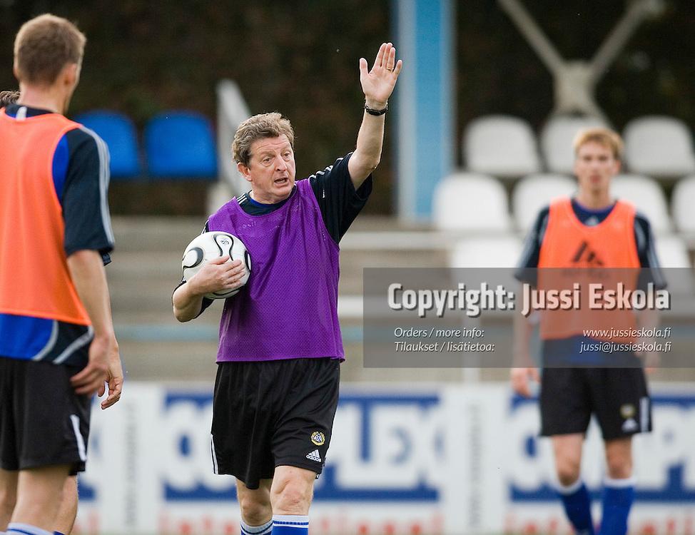 Roy Hodgson.&amp;#xA;Suomen A-maajoukkueen harjoitukset, Jerevan, Armenia 9.10.2006.&amp;#xA;Photo: Jussi Eskola<br />