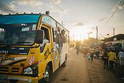 Kenia 2017: Matatu in Kabiria Road