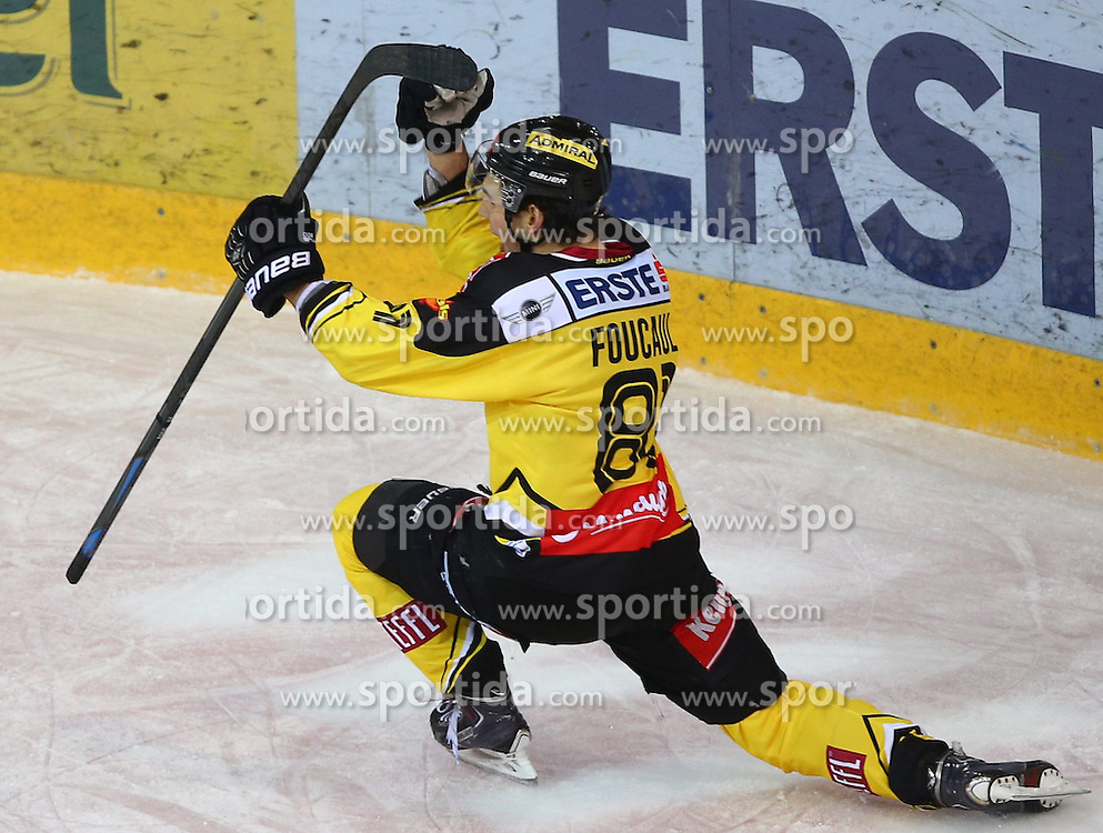 25.01.2015, Albert Schultz Eishalle, Wien, AUT, EBEL, UPC Vienna Capitals vs EC Red Bull Salzburg, 42. Runde, im Bild Torjubel Kristopher Foucault (UPC Vienna Capitals) // during the Erste Bank Icehockey League 42nd Round match between UPC Vienna Capitals and EC Red Bull Salzburg at the Albert Schultz Ice Arena, Vienna, Austria on 2015/01/25. EXPA Pictures © 2015, PhotoCredit: EXPA/ Thomas Haumer