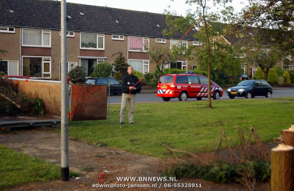 Brandweer Huizen haalt bomen weg, Arjan Veerman