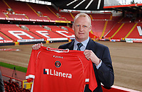 Photo: Daniel Hambury.<br />Charlton Athletic Press Conference.  30/05/2006.<br />Charlton Athletic's new manager Iain Dowie meets the media.