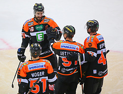 13.01.2017, Albert Schultz Halle, Wien, AUT, EBEL, UPC Vienna Capitals vs Moser Medical Graz 99ers, 43. Runde, im Bild Torjubel Daniel Woger (Moser Medical Graz 99ers), Kyle Beach (Moser Medical Graz 99ers), Oliver Setzinger (Moser Medical Graz 99ers) und Evan Brophey (Moser Medical Graz 99ers) // during the Erste Bank Icehockey League 43rd Round match between UPC Vienna Capitals and Moser Medical Graz 99ers at the Albert Schultz Ice Arena, Vienna, Austria on 2017/01/13. EXPA Pictures © 2017, PhotoCredit: EXPA/ Thomas Haumer