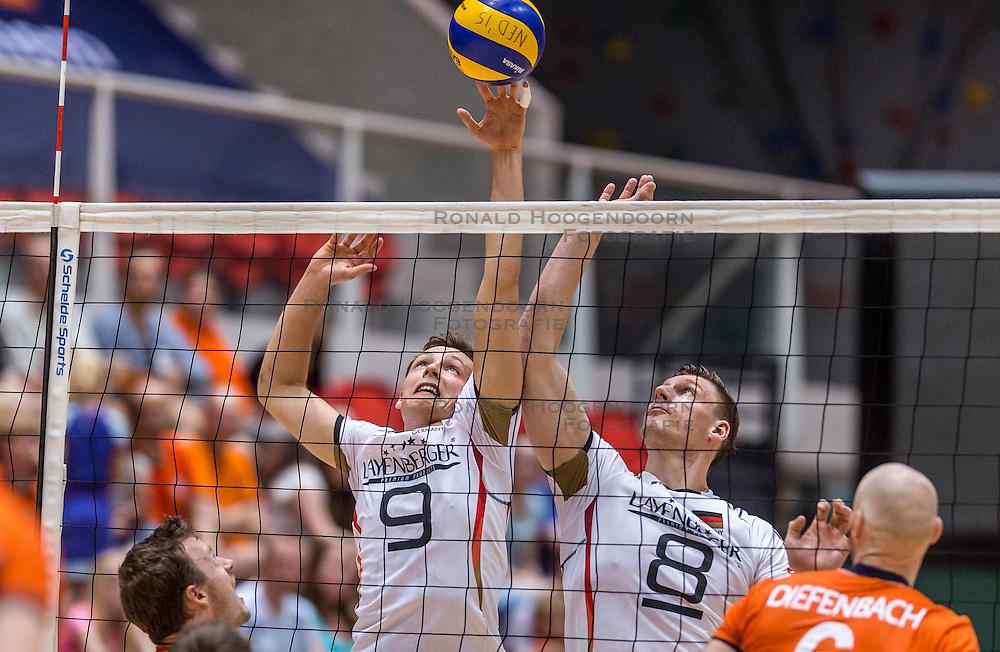 05-06-2016 NED: Nederland - Duitsland, Doetinchem<br /> Nederland speelt de laatste oefenwedstrijd ook in  Doetinchem en speelt gelijk 2-2 in een redelijk duel van beide kanten / Jan Zimmermann #9, Marcus Bohme #8