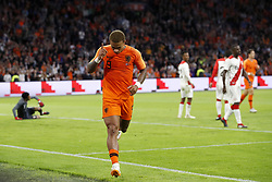 (L-R) Peru goalkeeper Pedro Gallese, Memphis Depay of Holland, Pedro Aquino of Peru, Luis Advincula of Peru during the International friendly match match between The Netherlands and Peru at the Johan Cruijff Arena on September 06, 2018 in Amsterdam, The Netherlands