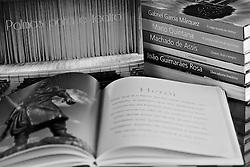 Conjunto de livros publicados pela companhia Zaffari. FOTO: Jefferson Bernardes/Preview.com