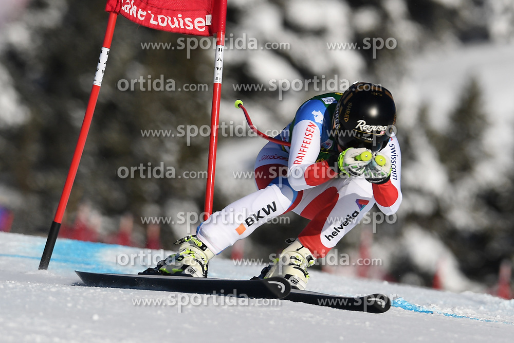 03.12.2017, Lake Louise, CAN, FIS Weltcup Ski Alpin, Lake Louise, Super G, Damen, im Bild Lara Gut (SUI) // Lara Gut of Switzerland in action during the ladie's Super G of FIS Ski Alpine World Cup in Lake Louise, Canada on 2017/12/03. EXPA Pictures &copy; 2017, PhotoCredit: EXPA/ SM<br /> <br /> *****ATTENTION - OUT of GER*****