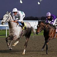 Splendid Light and William Buick winning the 7.40 race