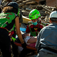 The August 24, 2016 an earthquake with normal kinematics of Mw 6.0 has hit central Italy, causing nearly 300 deaths and very serious damage to many historic towns.<br /> Since the beginning of the sequence, the National Seismic Network (INGV) has located more than 5000 events.<br /> The Civil Protection volunteers and speleologists retrieve a survivor from the rubble.