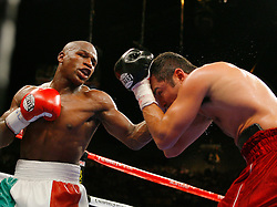 May 5, 2007; Las Vegas, NV, USA; Oscar De La Hoya vs Floyd Mayweather Jr. at the MGM Grand Garden Arena.