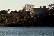 Belo Horizonte_MG, Brasil...O  Museu de arte da Pampulha, faz parte do conjunto arquitetonico da Pampulha, criado pelo arquiteto Oscar Niemeyer na decada de 40 em Belo Horizonte, Minas Gerais...Pampulha Art Museum, Its an architectural complex in Pampulha, designed by Oscar Niemeyer in Belo Horizonte, Minas Gerais...Foto: LEO DRUMOND / NITRO