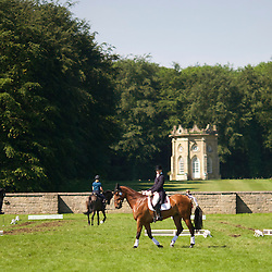 Exercise area and pre-dressage warmup