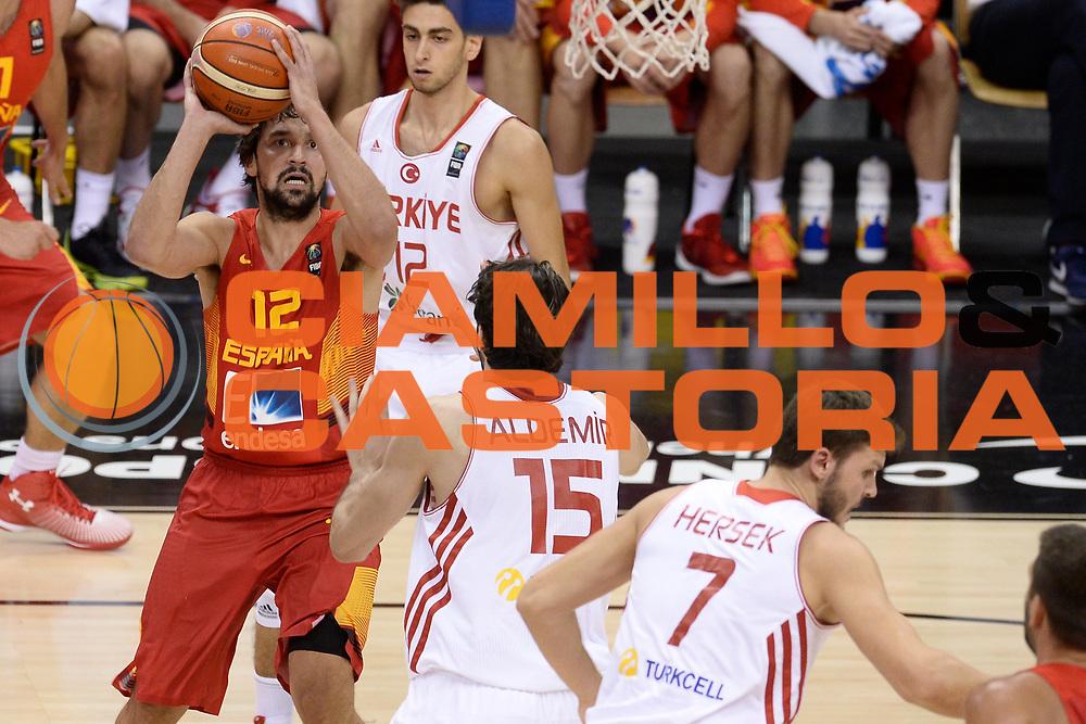 DESCRIZIONE: Berlino EuroBasket 2015 - <br /> Turkey Spain<br /> GIOCATORE: Sergio Llull<br /> CATEGORIA: Tiro<br /> SQUADRA: Spain<br /> EVENTO: EuroBasket 2015 <br /> GARA: Berlino EuroBasket 2015 - Turkey vs Spain<br /> DATA: 06-09-2015 <br /> SPORT: Pallacanestro <br /> AUTORE: Agenzia Ciamillo-Castoria/I.Mancini <br /> GALLERIA: FIP Nazionali 2015 FOTONOTIZIA: Berlino EuroBasket 2015 - Turkey vs Spain