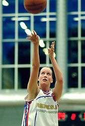 27-04-2006 BASKETBAL: PLAY OFF: BV LELY - CBV BINNENLAND: AMSTERDAM<br /> Binnenland wint ook de tweede wedstrijd en staat nu in de halve finale / Laura Kooij<br /> ©2006-WWW.FOTOHOOGENDOORN.NL