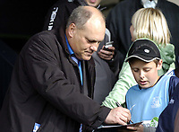 Photo: Olly Greenwood.<br />Southend United v Carlisle United. Coca Cola League 1. 27/10/2007. Ex Spurs manager Martin Jol signs autographs