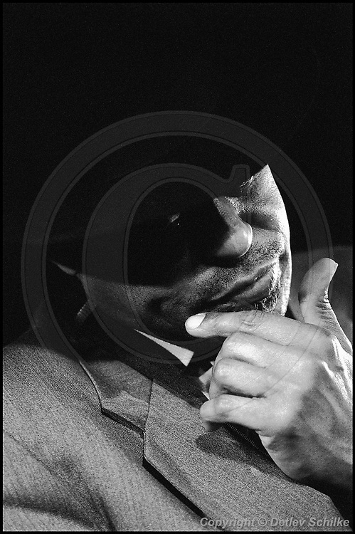 Berlin, DEU, 07.02.1997: Jazz Music , Shepp, Archie, Quasimodo, Berlin, 07.02.1997 ( Keywords: Musiker ; Musician ; Musik ; Music ; Jazz ; Jazz ; Kultur ; Culture ) ,  [ Photo-copyright: Detlev Schilke, Postfach 350802, 10217 Berlin, Germany, Mobile: +49 170 3110119, photo@detschilke.de, www.detschilke.de - Jegliche Nutzung nur gegen Honorar nach MFM, Urhebernachweis nach Par. 13 UrhG und Belegexemplare. Only editorial use, advertising after agreement! Eventuell notwendige Einholung von Rechten Dritter wird nicht zugesichert, falls nicht anders vermerkt. No Model Release! No Property Release! AGB/TERMS: http://www.detschilke.de/terms.html ]