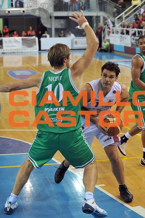 DESCRIZIONE : Rieti Lega A1 2008-09 Solsonica Rieti Benetton Treviso<br /> GIOCATORE : Vangelis Sklavos<br /> SQUADRA : Solsonica Rieti <br /> EVENTO : Campionato Lega A1 2008-2009 <br /> GARA : Solsonica Rieti Benetton Treviso<br /> DATA : 09/11/2008 <br /> CATEGORIA : Penetrazione<br /> SPORT : Pallacanestro <br /> AUTORE : Agenzia Ciamillo-Castoria/E.Grillotti