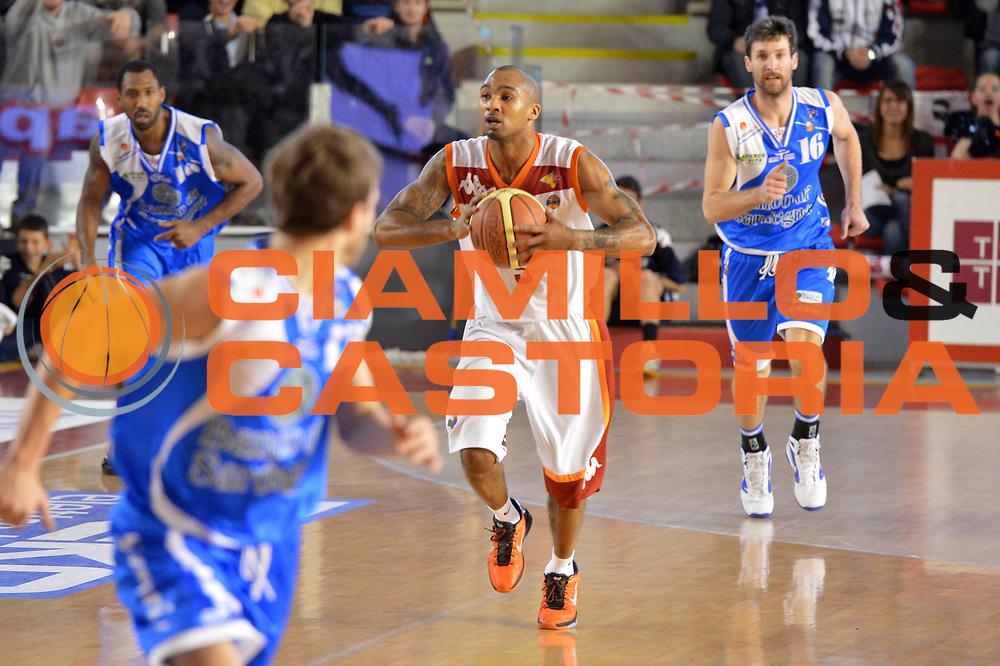DESCRIZIONE : Roma Lega A 2012-13 Acea Roma Banco di Sardegna Sassari<br /> GIOCATORE : Phil Goss<br /> CATEGORIA : contropiede<br /> SQUADRA : Acea Roma<br /> EVENTO : Campionato Lega A 2012-2013 <br /> GARA : Acea Roma Banco di Sardegna Sassari<br /> DATA : 23/12/2012<br /> SPORT : Pallacanestro <br /> AUTORE : Agenzia Ciamillo-Castoria/GiulioCiamillo<br /> Galleria : Lega Basket A 2012-2013  <br /> Fotonotizia :  Roma Lega A 2012-13 Acea Roma Banco di Sardegna Sassari<br /> Predefinita :