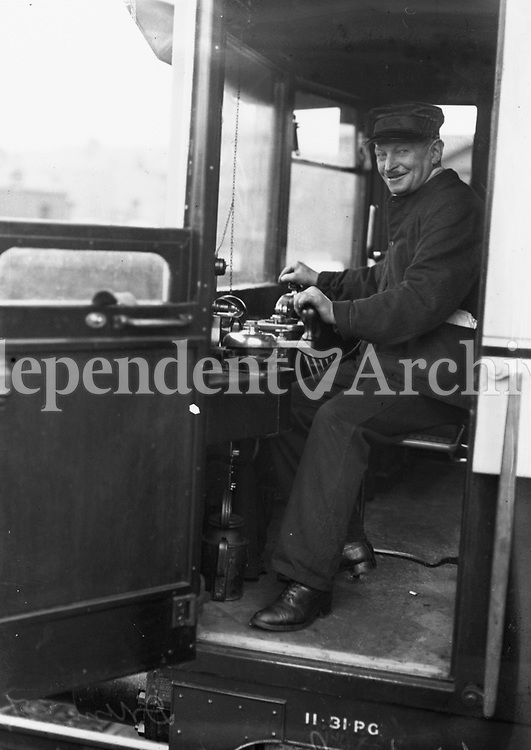 H1679 The Drumm Train. Driver, W. Delaney. December 1931 (Part of the Independent Ireland Newspapers/NLI Collection)