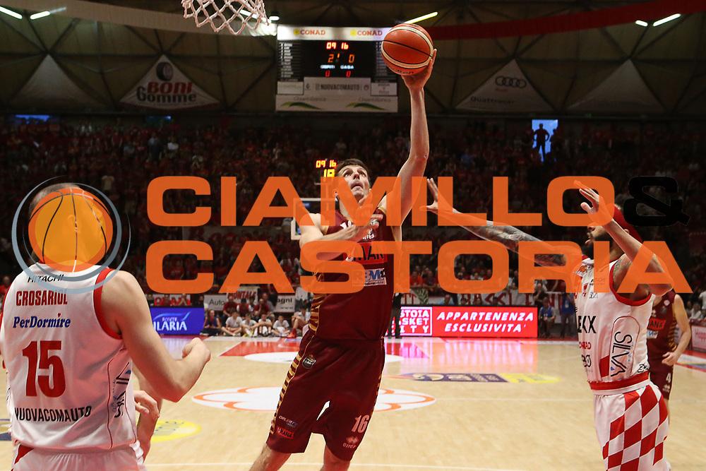 Benjamin Ortner<br /> The Flexx Pistoia Umana Reyer Venezia<br /> Lega Basket Serie A 2016/2017<br /> Playoff Quarti di finale Gara 4<br /> Pistoia 19/05/2017<br /> Foto Ciamillo-Castoria