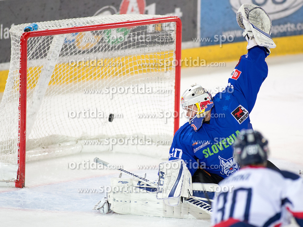 13.02.2016, Olympiaworld, Innsbruck, AUT, Euro Ice Hockey Challenge, Slowakei vs Slowenien, im Bild Luka Gracnar (SLO) // Luka Gracnar of Slowenia during the Euro Icehockey Challenge Match between Slovakia and Slovenia at the Olympiaworld in Innsbruck, Austria on 2016/02/13. EXPA Pictures © 2016, PhotoCredit: EXPA/ Jakob Gruber