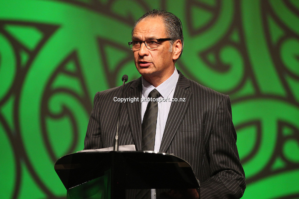 301113 2013  Kevin Pryor presents the Maori Sportsperson of the Year Award at the Trillian Trust Maori Sports Awards at Vodafone Events Centre, Manukau. Photo: Fiona Goodall/photosport.co.nz