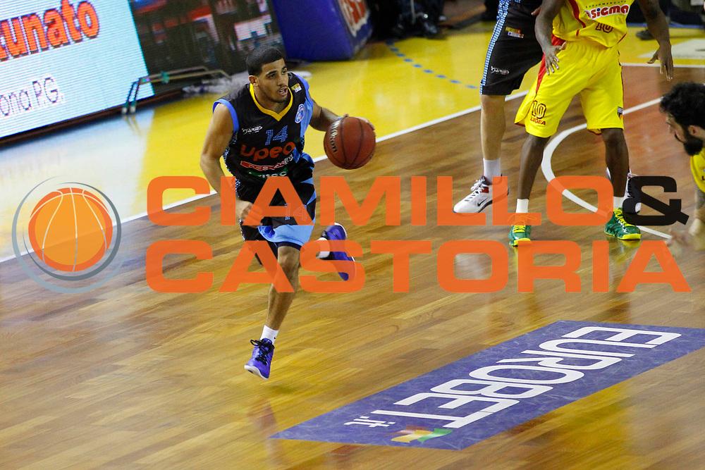 DESCRIZIONE : Barcellona Pozzo di Gotto Campionato Lega Basket A2 2012-13 Sigma Basket Barcellona Upea Orlandina Capo dOrlando <br /> GIOCATORE : Talor Battle<br /> SQUADRA : Orlandina Upea Capo dOrlando<br /> EVENTO : Campionato Lega Basket A2 2012-2013<br /> GARA : Sigma Basket Barcellona Upea Orlandina Capo dOrlando<br /> DATA : 28/12/2012<br /> CATEGORIA : Palleggio Eurobet Sponsor<br /> SPORT : Pallacanestro <br /> AUTORE : Agenzia Ciamillo-Castoria/G.Pappalardo<br /> Galleria : Lega Basket A2 2012-2013 <br /> Fotonotizia : Barcellona Pozzo di Gotto Campionato Lega Basket A2 2012-13 Sigma Basket Barcellona Upea Orlandina Capo dOrlando<br /> Predefinita :