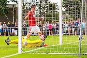 UITGEEST - 09-07-2016, AZ - FC Volendam, Complex FC Uitgeest, 8-1, AZ speler Wout Weghorst scoort hier de 6-0, doelpunt.