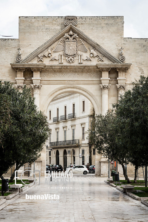 Emiliano Albensi<br /> 20/01/2017 Lecce (LE)<br /> Lecce<br /> Nella foto: l'Arco di Trionfo, comunemente chiamato Porta Napoli, una delle tre porte di accesso al centro storico di Lecce<br /> <br /> Emiliano Albensi<br /> 20/01/2017 Lecce<br /> Lecce<br /> In the picture: Triumphal Arch (Arco di Trionfo), commonly called &quot;Neapolitan Gate&quot; (Porta Napoli)  which is one of the three gates to enter Lecce's historical city centre
