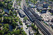 Nederland, Noord-Holland, Haarlem, 12-05-2009; Station met Stationsbuurt, links Kennemerplein en Staten Bolwerk.Swart collectie, luchtfoto (toeslag); Swart Collection, aerial photo (additional fee required).foto Siebe Swart / photo Siebe Swart