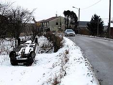 20120204 AUTO RIBALTATA TORRE FOSSA
