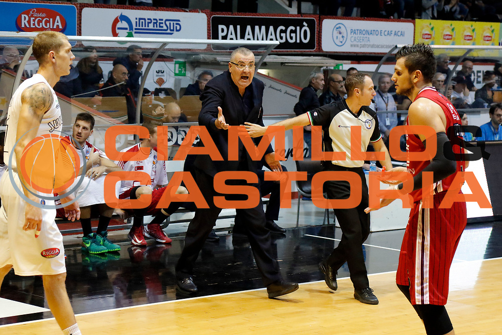 DESCRIZIONE : Caserta Lega A 2015-16 Pasta Reggia Caserta EA7 Emporio Armani Milano<br /> GIOCATORE : Jasmin Repesa<br /> CATEGORIA : ritratto delusione<br /> SQUADRA : EA7 Emporio Armani Milano<br /> EVENTO : Campionato Lega A 2015-2016 <br /> GARA : Pasta Reggia Caserta EA7 Emporio Armani Milano<br /> DATA : 25/10/2015<br /> SPORT : Pallacanestro <br /> AUTORE : Agenzia Ciamillo-Castoria/A. De Lise <br /> Galleria : Lega Basket A 2015-2016 <br /> Fotonotizia : Caserta Lega A 2015-16 Pasta Reggia Caserta EA7 Emporio Armani Milano
