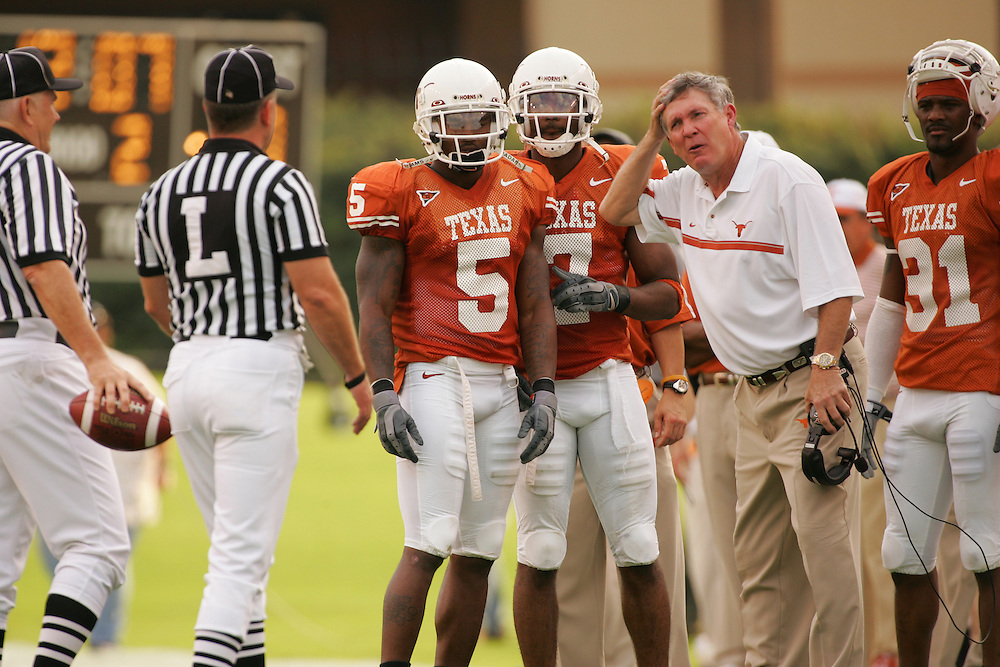 Mack Brown.Kansas at Texas.Darrell K. Royal-Texas Memorial Stadium.Austin, TX.Saturday, November 12 2005.11-12-05.photograph by Darren Carroll.