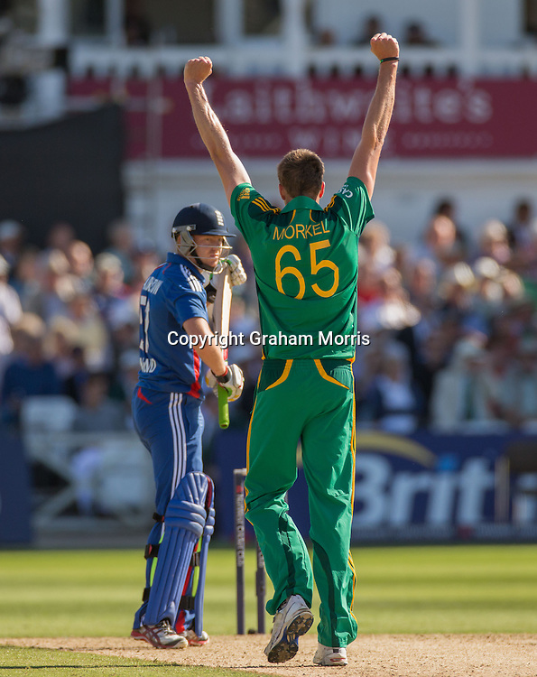Morne Morkel celebrates the wicket of Jonny Bairstow during the fifth and final NatWest Series one day international between England and South Africa at Trent Bridge, Nottingham. Photo: Graham Morris (Tel: +44(0)20 8969 4192 Email: sales@cricketpix.com) 05/09/12