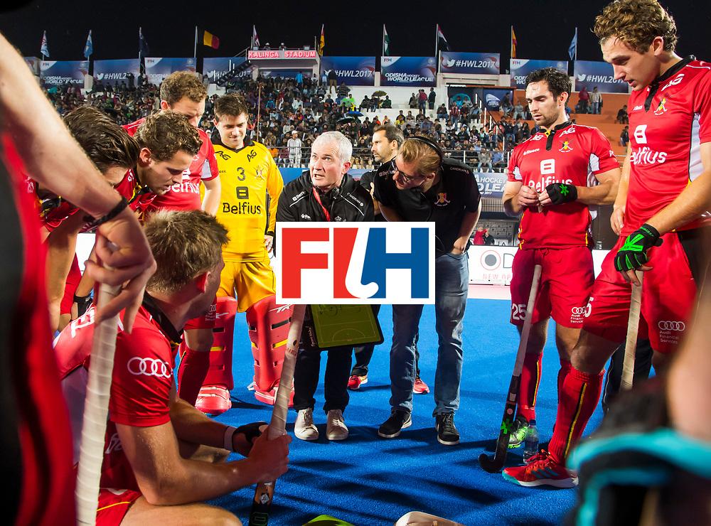 BHUBANESWAR - coach Shane McLeod (Bel) . rechts Loick Luypaert (Bel), Manu Stockbroekx (Bel).  Hockey World League finals , wedstrijd om de 5e plaats. Belgie-Spanje.  COPYRIGHT KOEN SUYK