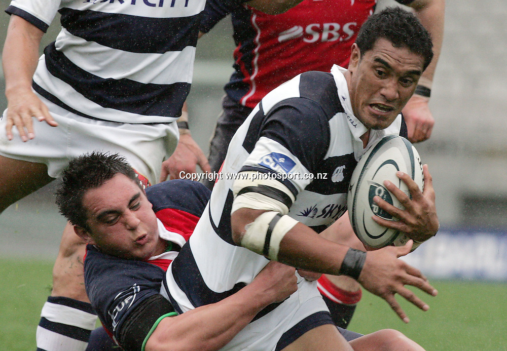 Jerome Kaino in action during the Air New Zealand Cup rugby union match between Auckland and Tasman at Eden Park, Auckland, New Zealand on Sunday 6 August, 2006. Auckland won the match 46 - 6. Photo: Hannah Johnston/PHOTOSPORT<br />