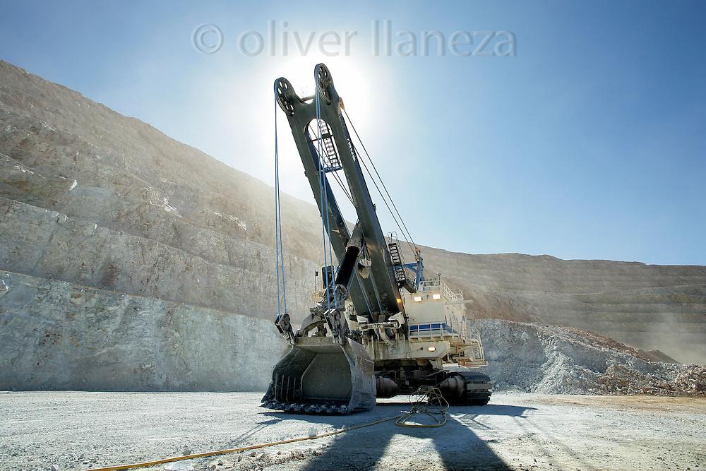 FOT&Oacute;GRAFO: Oliver Llaneza ///<br /> <br /> Pala mec&aacute;nica en Minera Escondida