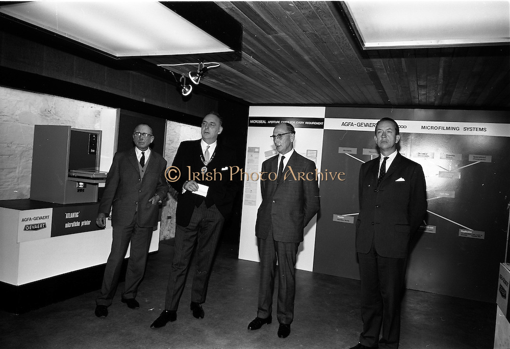 119/09/1967<br />