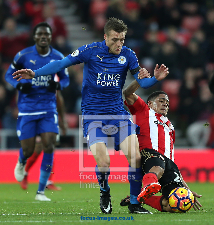 Steven Pienaar of Sunderland and Jamie Vardy of Leicester City during the Premier League match at the Stadium Of Light, Sunderland<br /> Picture by Christopher Booth/Focus Images Ltd 07711958291<br /> 03/12/2016