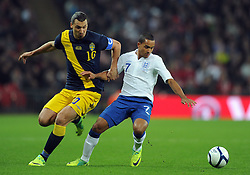 15.11.2011, Wembley Stadium, London, ENG, FSP, England (ENG) vs Schweden (SWE), im Bild England's Theo Walcott in action against Sweden's Zlatan Ibrahimovic // during the international friendlies football match between England (ENG) and Sweden (SWE) at Wembley Stadium, London, United Kingdom on 15/11/2011. EXPA Pictures © 2011, PhotoCredit: EXPA/ Sportida/ Chris Brunskill..***** ATTENTION - OUT OF ENG, GBR, UK *****
