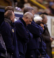 Photo: Jed Wee.<br /> Burnley v Norwich City. Coca Cola Championship. 24/03/2006.<br /> <br /> Norwich manager Nigel Worthinton hangs his head as his players struggle to find the back of the net.