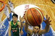 DESCRIZIONE : Hamamatsu Giappone Japan Men World Championship 2006 Campionati Mondiali Greece-Australia <br /> GIOCATORE : Diamantidis Bogut<br /> SQUADRA : Greece Grecia Australia<br /> EVENTO : Hamamatsu Giappone Japan Men World Championship 2006 Campionato Mondiale Greece-Australia <br /> GARA : Greece Australia Grecia Australia <br /> DATA : 22/08/2006 <br /> CATEGORIA : Rimbalzo Special<br /> SPORT : Pallacanestro <br /> AUTORE : Agenzia Ciamillo-Castoria/A.Vlachos <br /> Galleria : Japan World Championship 2006<br /> Fotonotizia : Hamamatsu Giappone Japan Men World Championship 2006 Campionati Mondiali Greece-Australia <br /> Predefinita :