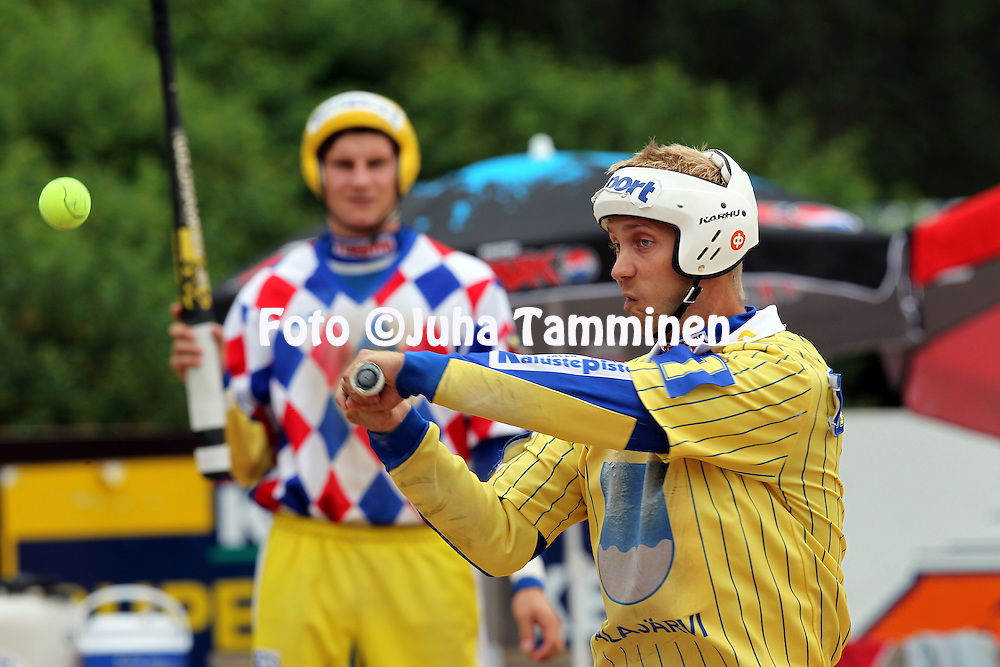 20.07.2010, Pohjanlinnan Pesisstadion, Kankaanp??..Ykk?spesis 2010, Kankaanp??n Maila - Alaj?rven Ankkurit..Markus Salmenautio - Alaj?rvi.©Juha Tamminen.