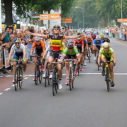 WIELRENNEN, Boels Rental Ladiestoer Wijchen Jolien d'Hoore wint de etappe