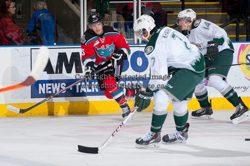 KELOWNA, CANADA - DECEMBER 6: Colton Heffley #25 of the Kelowna Rockets skates against the Everett Silvertips on December 6, 2013 at Prospera Place in Kelowna, British Columbia, Canada.   (Photo by Marissa Baecker/Shoot the Breeze)  ***  Local Caption  ***