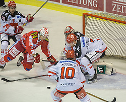 02.10.2015, Stadthalle, Klagenfurt, AUT, EBEL, EC KAC vs HC TWK Innsbruck Die Haie, im Bild Dustin Vanballegooie (HC TWK Innsbruck Die Haie #7), Manuel Ganahl (EC KAC, #17), Patrick Mössmer (HC TWK Innsbruck Die Haie #10), Dustin Vanballegooie (HC TWK Innsbruck Die Haie #7) // during the Erste Bank Eishockey League match betweeen EC KAC and HC TWK Innsbruck Die Haie at the City Hall in Klagenfurt, Austria on 2015/190/02. EXPA Pictures © 2015, PhotoCredit: EXPA/ Gert Steinthaler